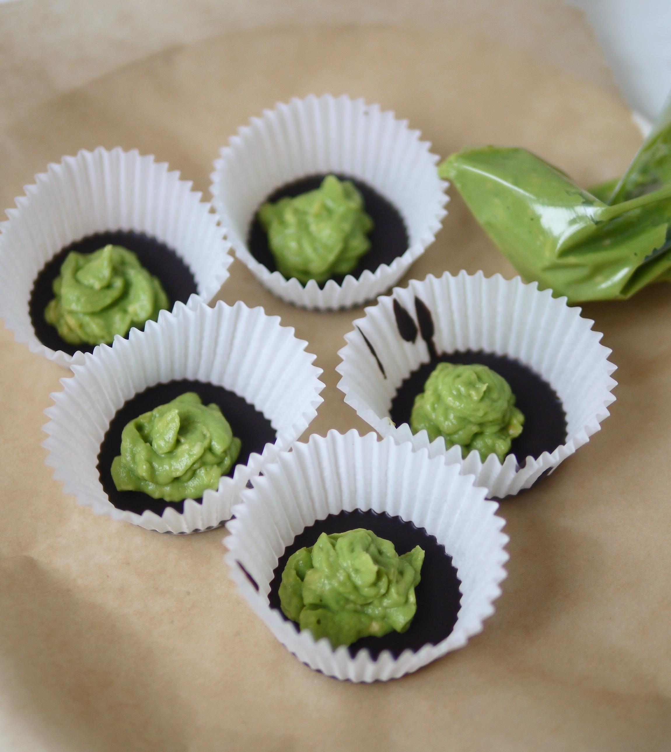 chocolate avocado cups