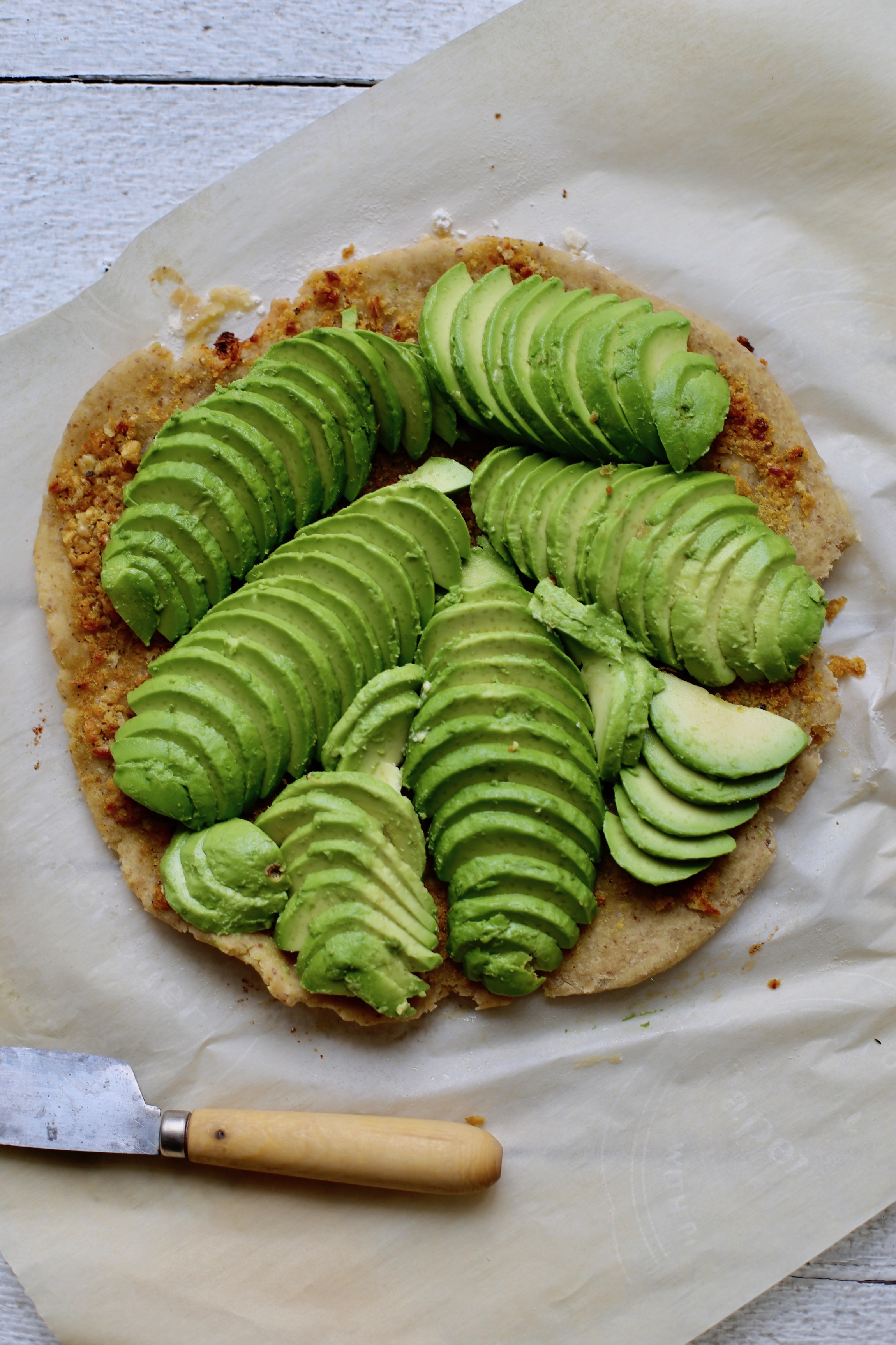 avocado flatbread
