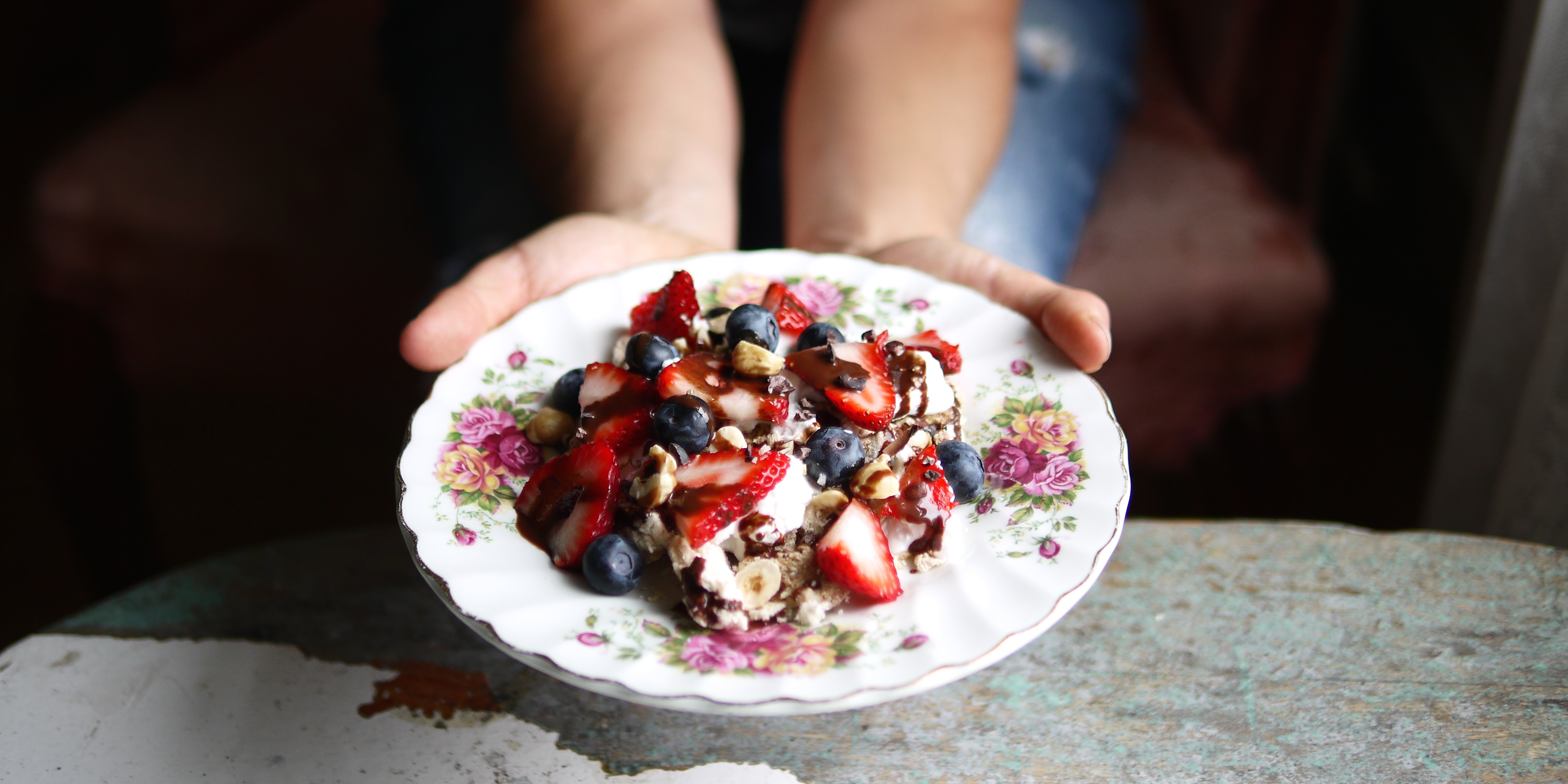 Vegan Pavlova with Berries and Chocolate | To Die For