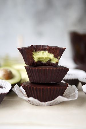 chocolate-avocado-cups-2