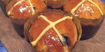 Bel Cafe Hot Cross Buns
