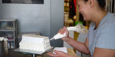 Cadeaux Bakery Eleanor Chow Icing